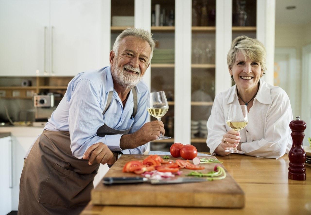 Przyczyny braku apetytu u osób starszych